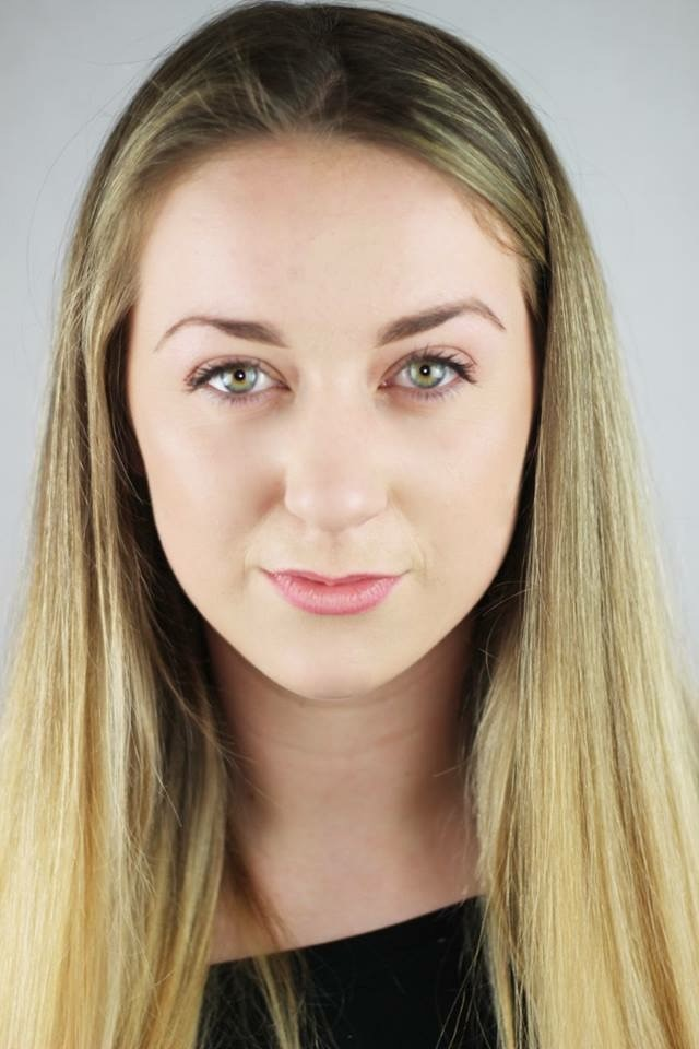 Lucy Hunt Headshot